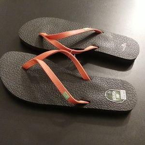 Sanuk Yoga Mat Flip Flop